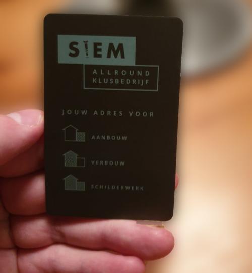 Voorbeeld visitekaartje met ronde hoeken.